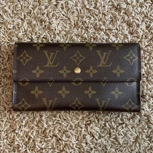 Auth Louis Vuitton Monogram PTI Clutch Wallet!!